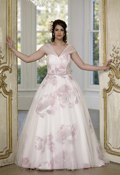 Within Easy Reach Of St Neots Cambridge Peterborough Stevenage And Milton Keynes Roses Bridal Is A Shop With Difference